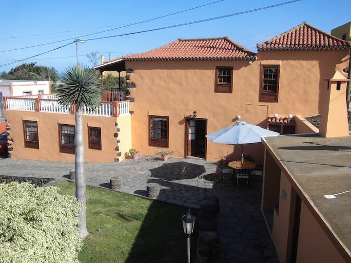 Villa Cruz