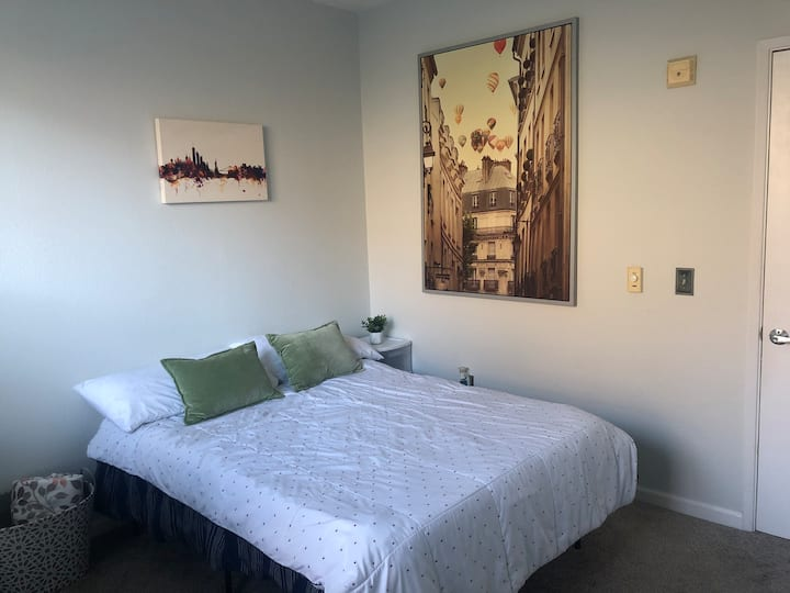 Clean & Updated Private Room by SF Waters