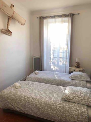 Seconde chambre - second bedroom