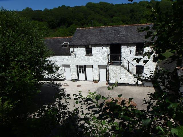 Keveral Mill Barn, Seaton.