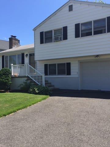 House at the Beach! - Fairfield - House