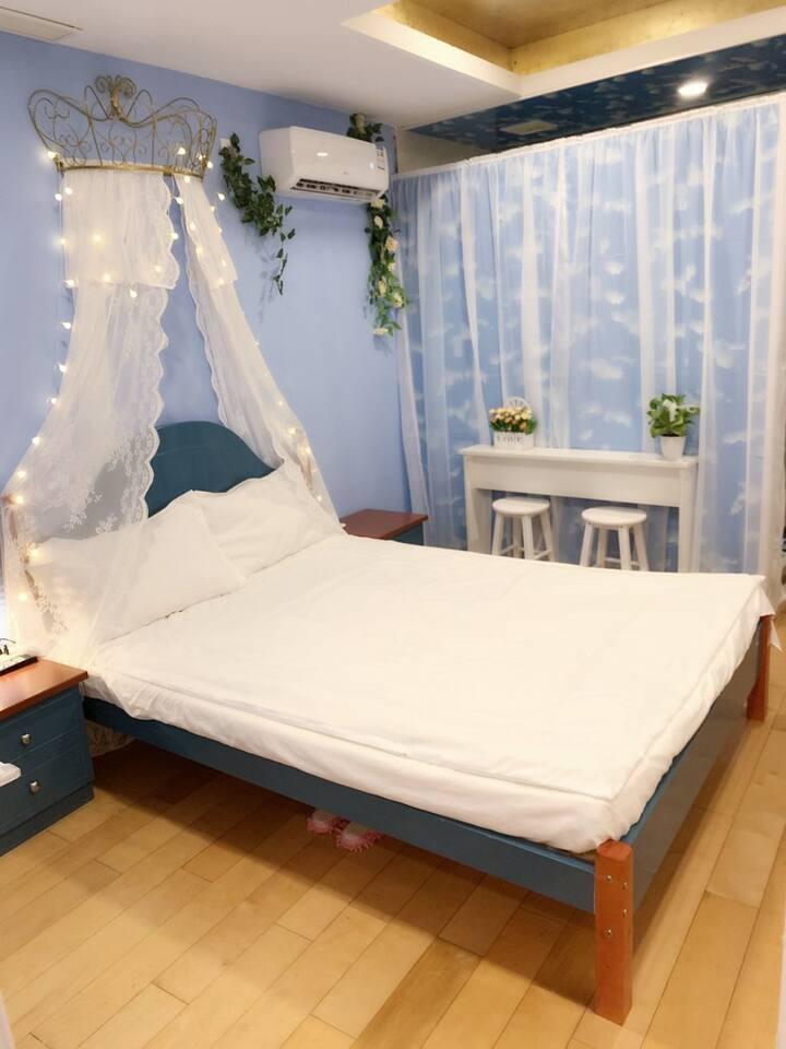 轻奢188南京路步行街人广外滩景观大床房