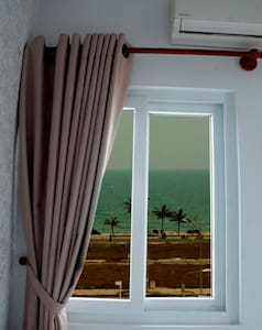 Deluxe Twin Room w. Side Sea View - Da Nang