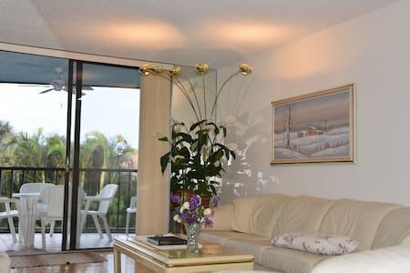 HIDDEN HARBOR - Lantana - Condominium