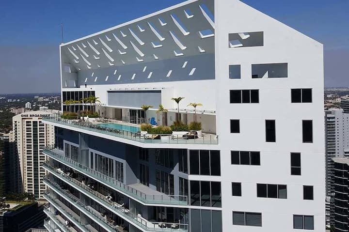 Luxury Apartment Building in the Heart of Brickell