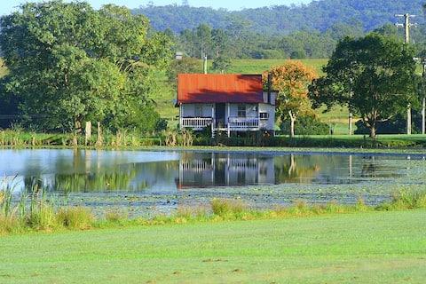 Escape to Spiddal Cottage Tamborine