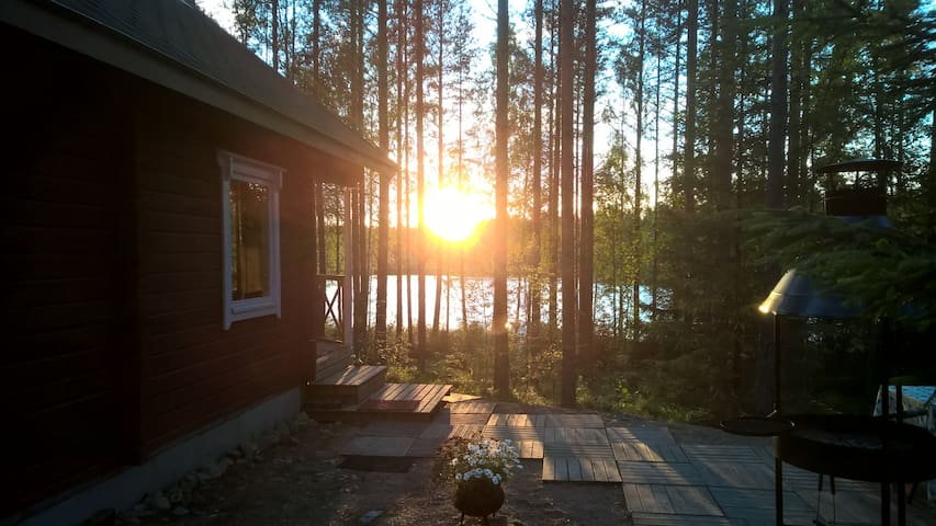 Traditional cottage with Hot tube - Uurainen - Cabaña