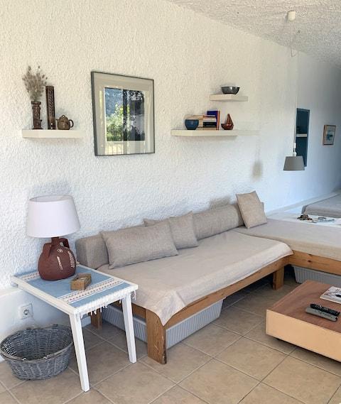 Cosy studio overlooking Porto Germeno gulf