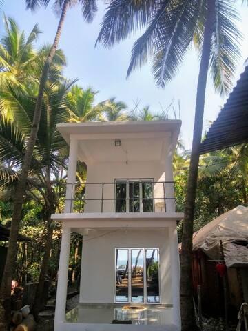 Tapsya Beach Cafe: A Sea-side Meditational Retreat