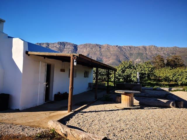 Die Koejawel huisie (Guava Cottage)