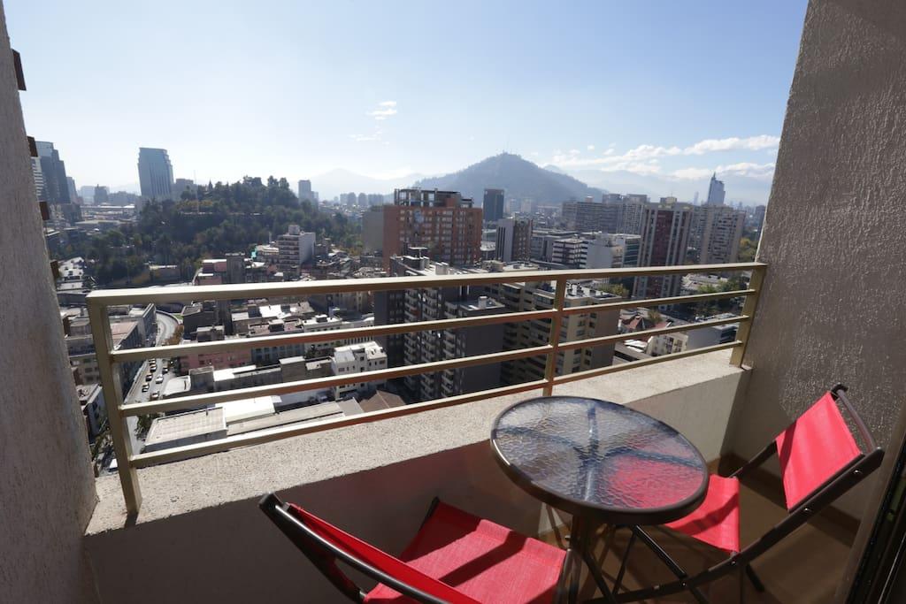 Balcón. Vista del Cerro Santa Lucía y del Cerro San Cristóbal