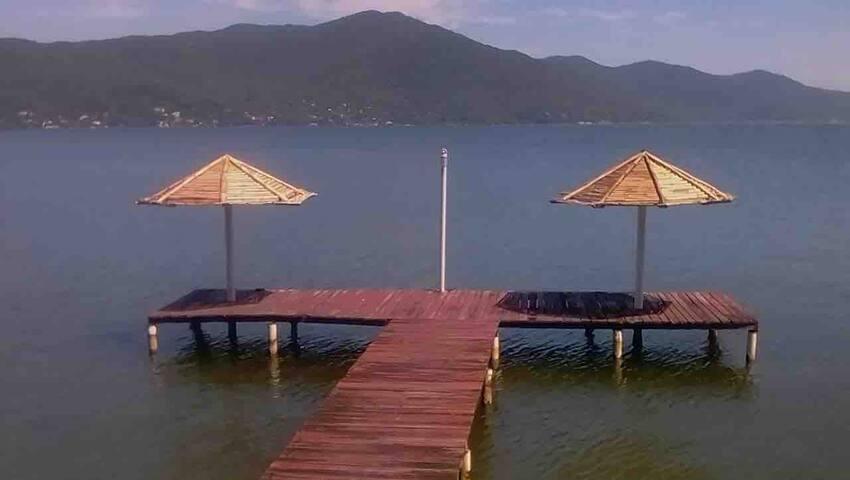 Casa Aconchegante à Beira da Lagoa (Com Trapiche)