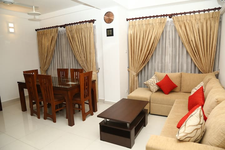 Aqua- 3 Bedroom Modern Apartment with Pool Colombo