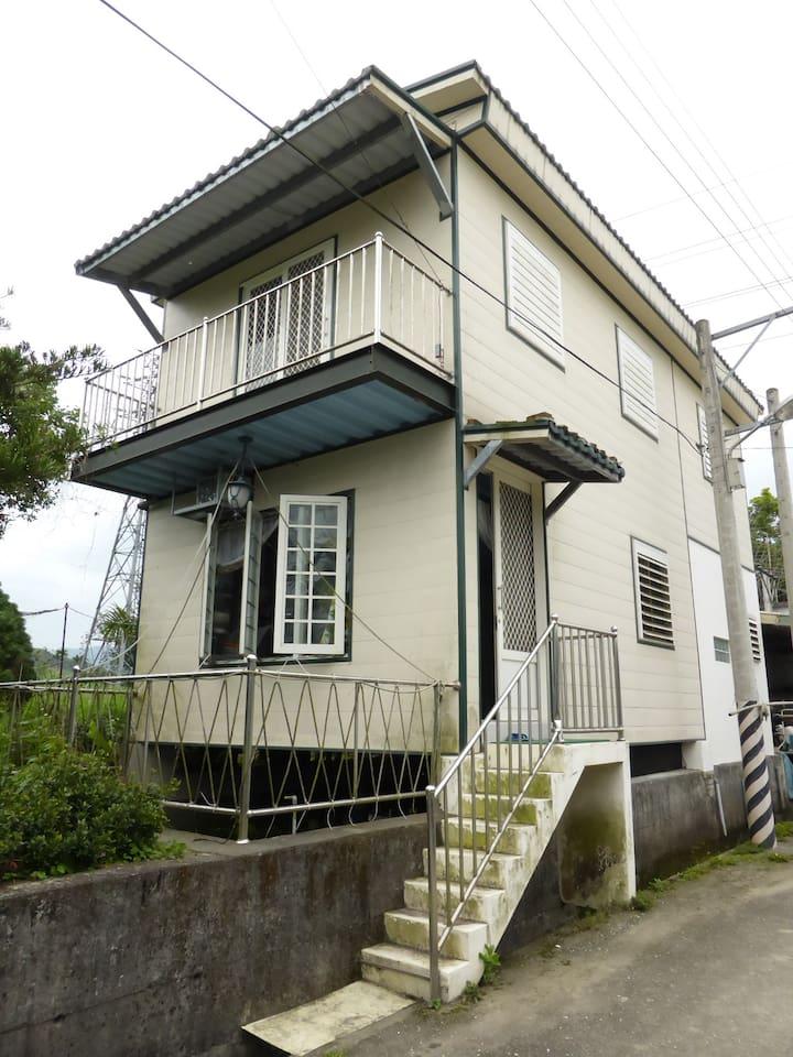 兩層樓的小屋