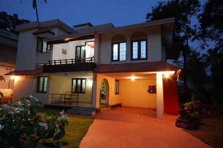Goku's Homestay,Near Alleppey beach