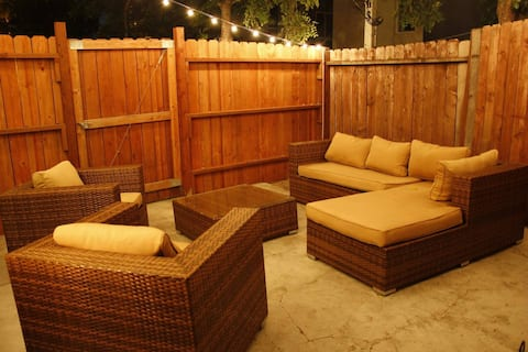Cozy house w. parking/outdoor patio near Downtown