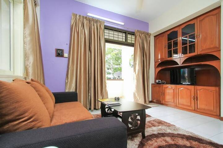 Howie Holiday Apartment @ Kelawei - George Town - Apartment