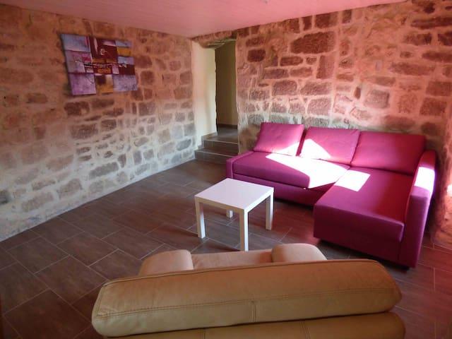 """""""Les meules de pierre"""" en Ardèche - Faugères - Lägenhet"""