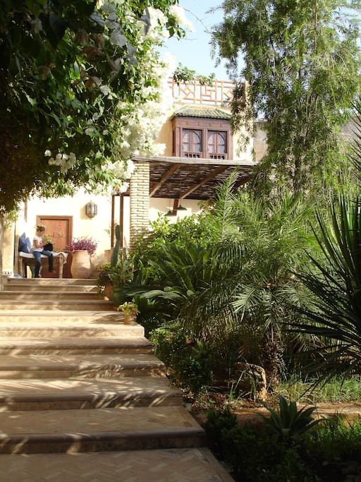 Luxury riad with garden pool in fez villa 39 s te huur in for Airbnb fez