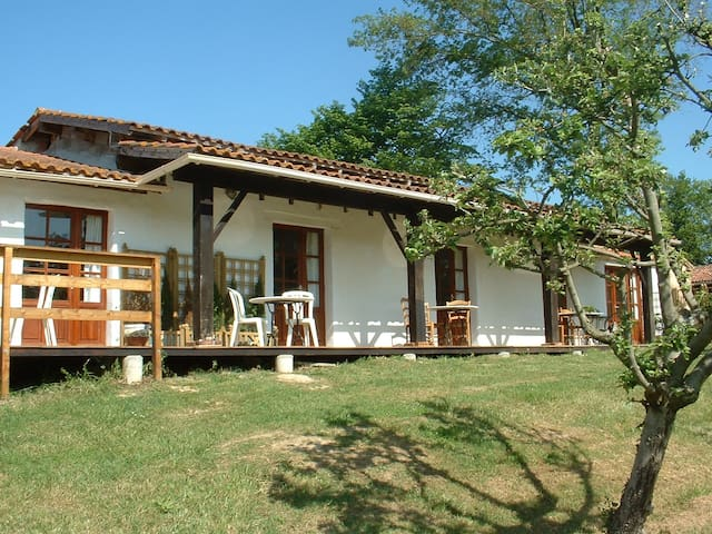3 bedroom chalet in renovated stone barn/+ POOL - ESTANG - Σαλέ