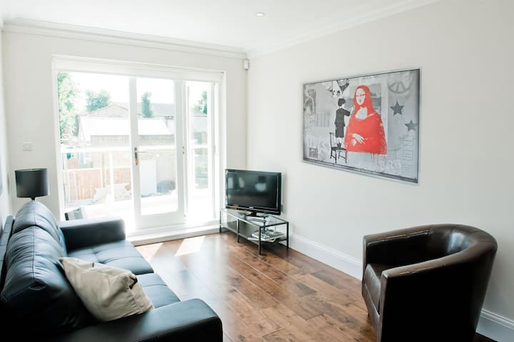 Luxurious 3 bed flat in Ealing Broadway - Londres - Departamento