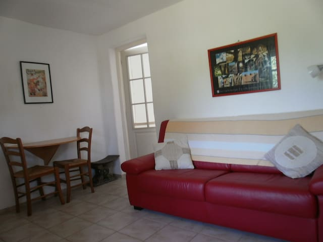 Mid terrace stone chalet/1 bedroom/POOL - Estang - Σαλέ