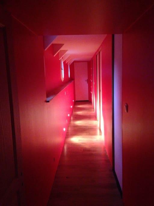 Couloir menant aux 3 chambres