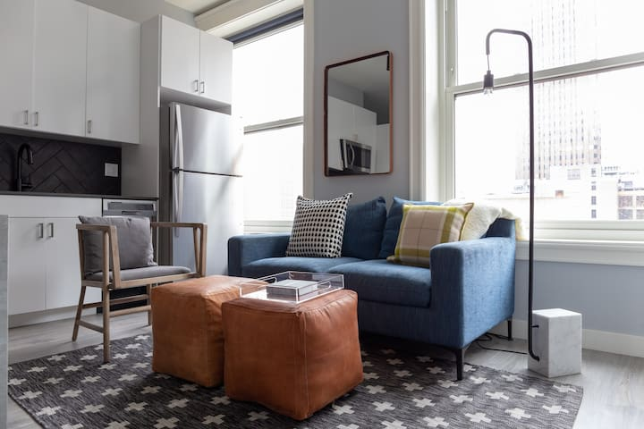 Sonder | The Plymouth | Calming 2BR + Rooftop