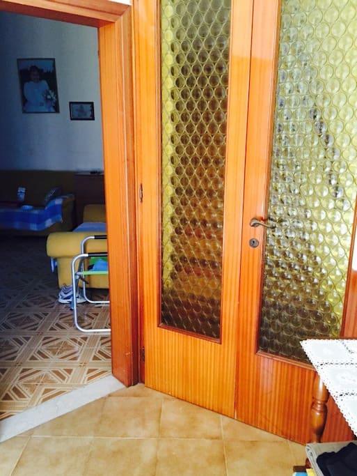 Casa molto accogliente houses for rent in il casino for Piani casa cane trotto