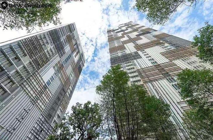 曼谷CBD贵妇商圈高级住宅|600米到BTS轻轨|15分钟到暹罗商圈|毗邻日韩富人区通罗