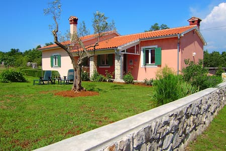 House Natali -peaceful and relaxing - Kapelica