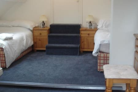 PBC Double Room Shared Bathroom - Kidderminster
