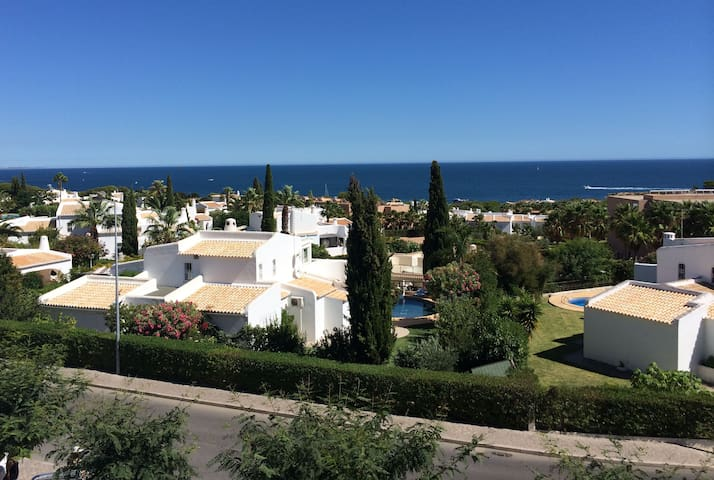 Luxurious 2 Br Apt. - Ocean View - Albufeira - Huoneisto