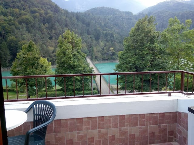 Splendido Bilocale sul lago - Chiaicis - Apartment