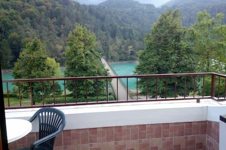 Splendido Bilocale sul lago - Chiaicis - Pis