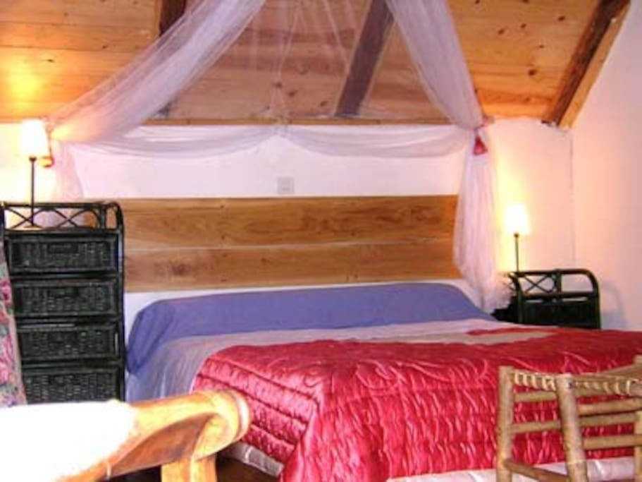 Chambre d 39 h te chambre romantique bed and breakfasts for Chambre hote romantique