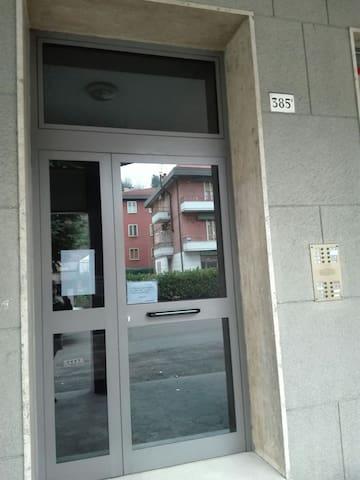 Comoda e ampia camera Casalecchio di Reno-Bologna