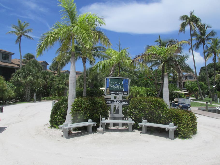 Located in beautiful Safety Harbor Club
