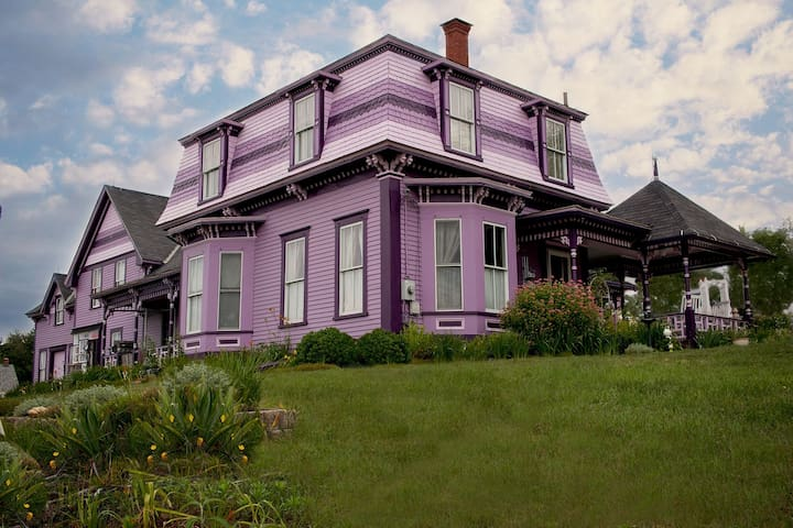 The Victorian Painted Lady - Jack's Room