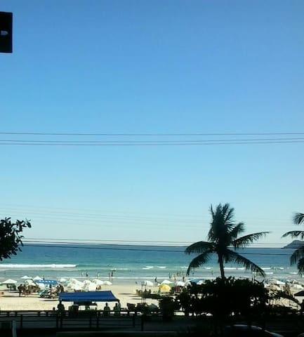 Pitangueiras Frente à Praia -Pé na Areia - WIFI
