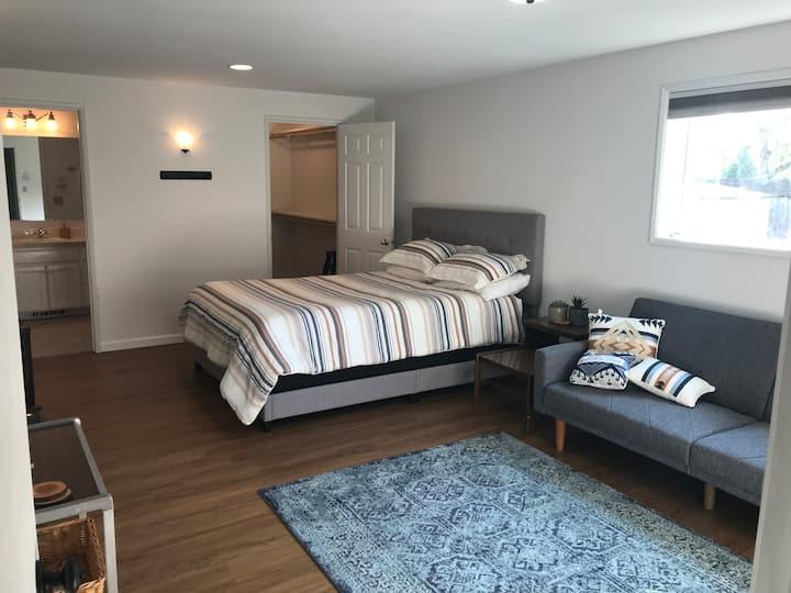 Private Suite w/ Garden Retreat & Porch