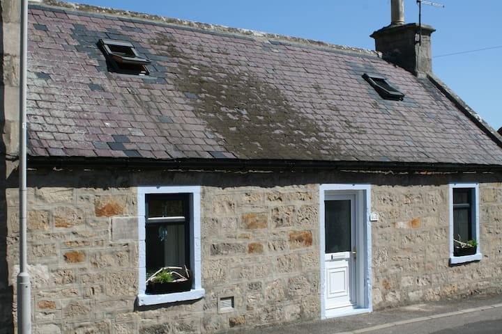 Fisherman's beach cottage Bethany, Lossiemouth