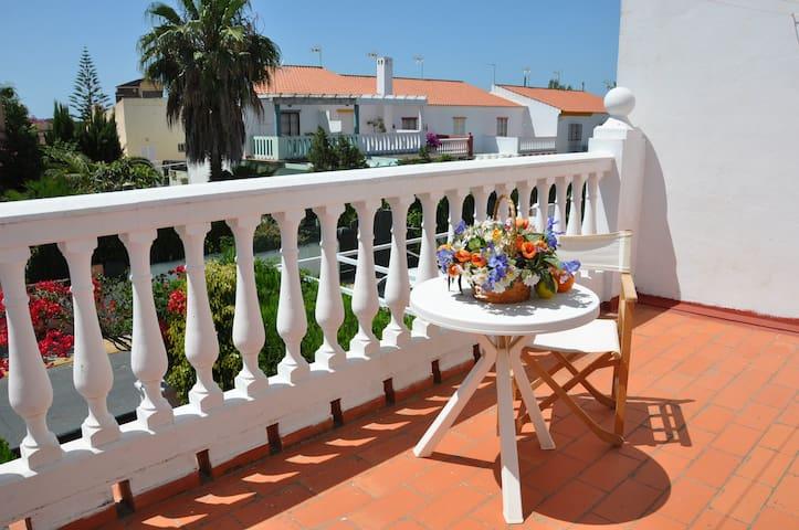 Cosy Chalet near the ocean, Swimming pool, WiFi - Isla Cristina - Dom