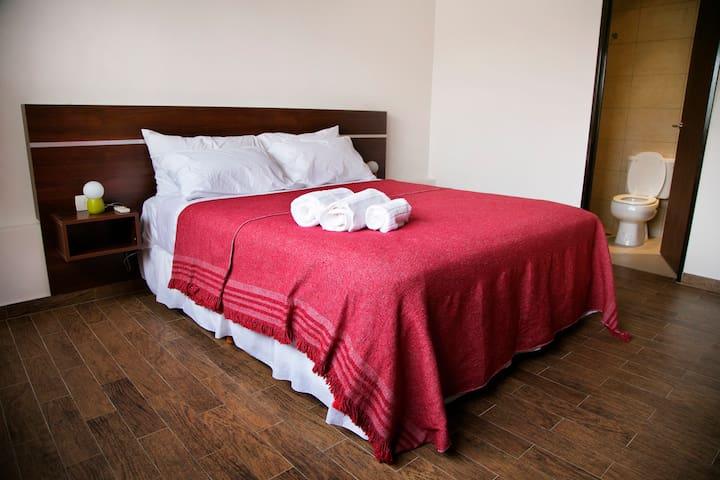 Habitación doble con baño privado - บัวโนสไอเรส - ที่พักพร้อมอาหารเช้า