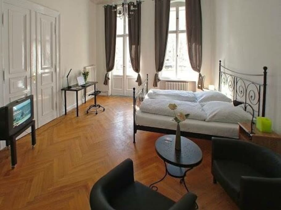 we are new to airbnb check us out apartments for rent in berlin berlin germany. Black Bedroom Furniture Sets. Home Design Ideas
