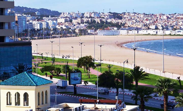 Cosy sunny double room in center of Tangier/beach