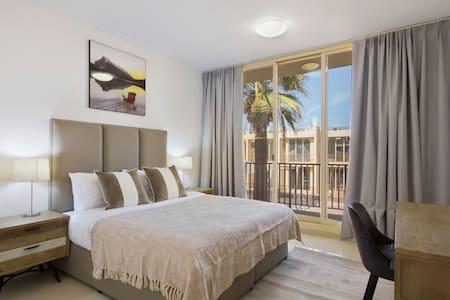 3 Bedroom Waikiki Townhouses