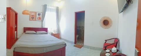 Duy Nhất 1 hotel với phòng 2 khách view sân vườn