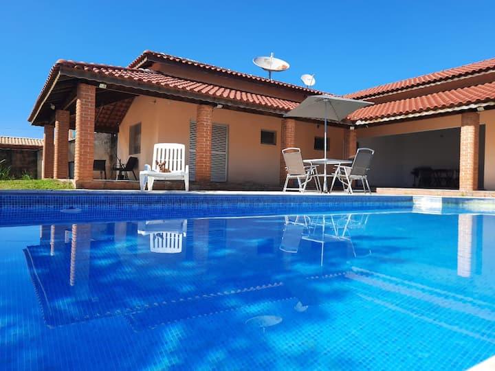 Casa com piscina em tranquilo condomínio em Tatuí