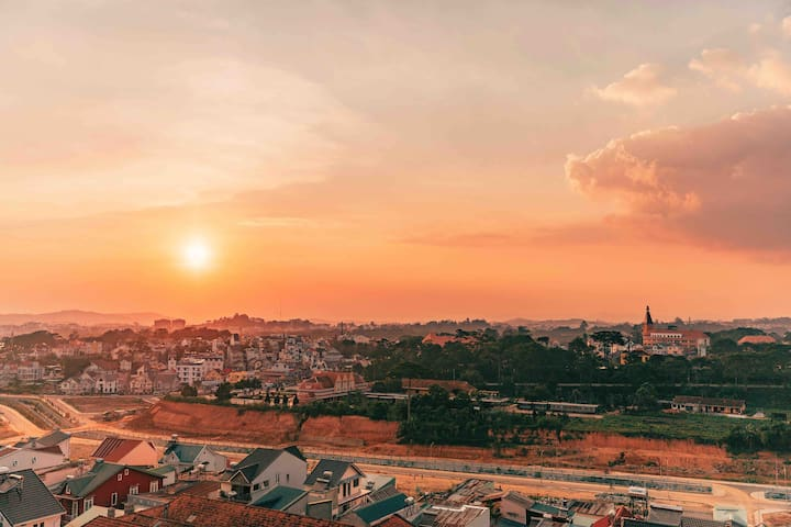 PANORAMIC DALAT SUNSET - LUXURY CENTRAL APARTMENT